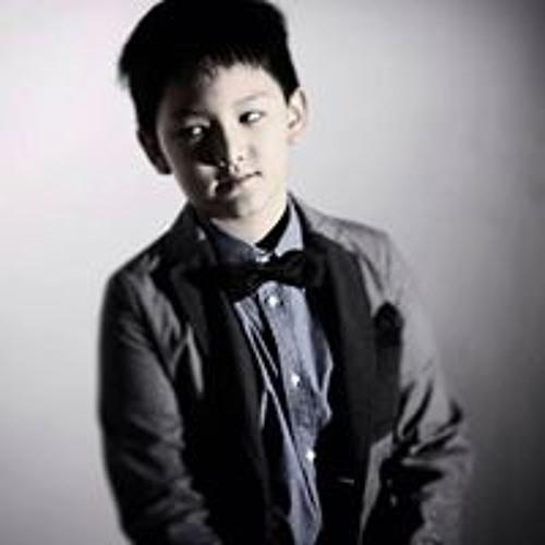 Thadol Paitoonphong's avatar