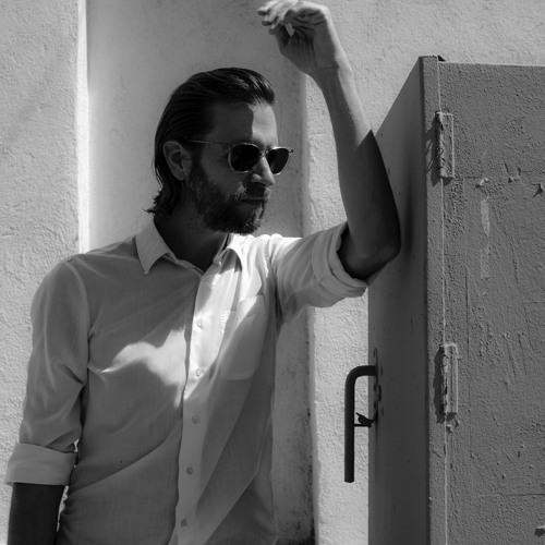 Joel Jarek DeGraff's avatar