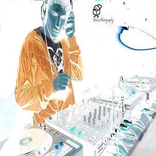 DJ chris jowett's avatar