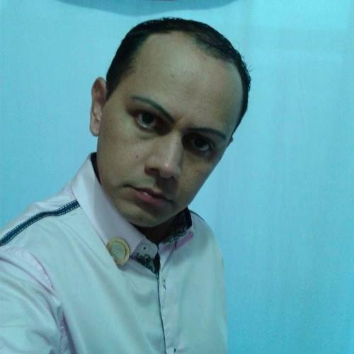 Luciano da Rosa's avatar