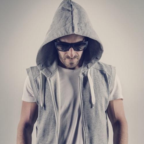 MIK FONTAN's avatar