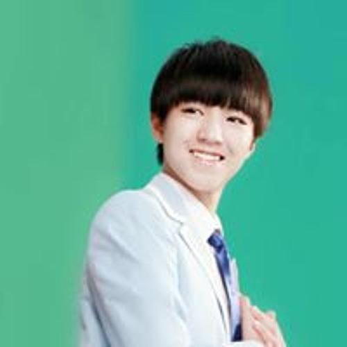 Yang Yang's avatar