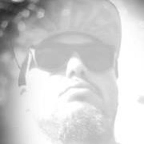 Luke On'the Track's avatar