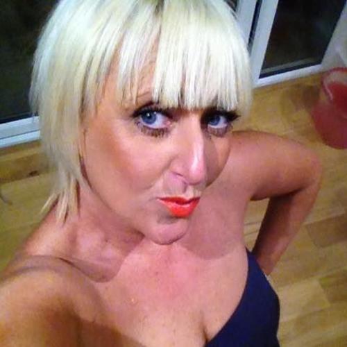 Tracey 'MissyT' Roman's avatar