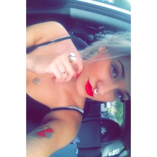 Ashleigh Joskic's avatar