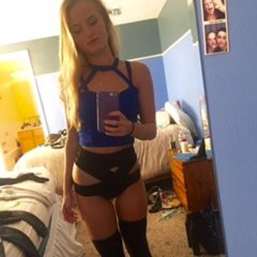 Lizzey Quinion's avatar