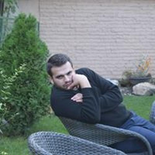 Strate Nikolovski's avatar