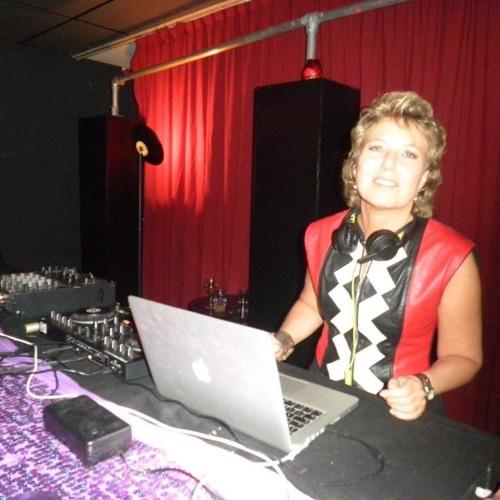 DJ-D-Lite's avatar