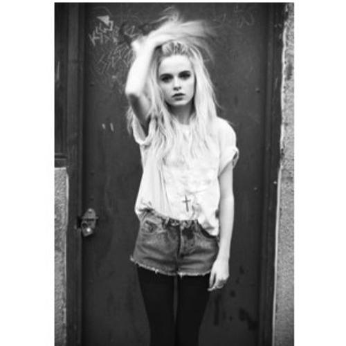 Rosalind Mayers's avatar