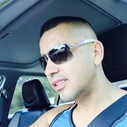 Luis Guzman's avatar