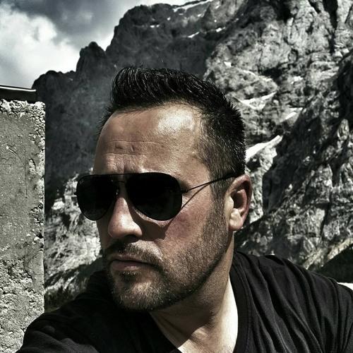 Matej Alijeski Mzb's avatar