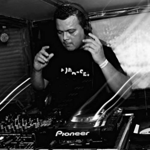 Rafael Dourado's avatar