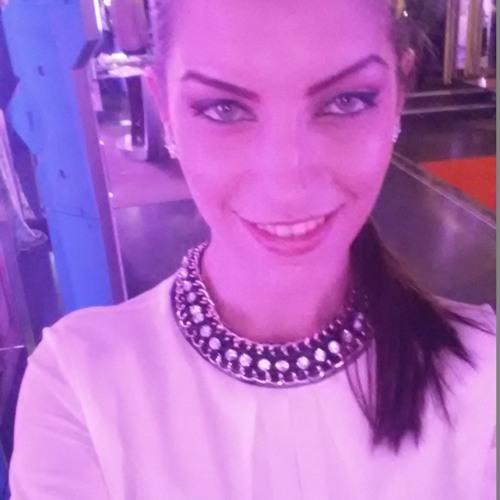 Raluca Paula's avatar
