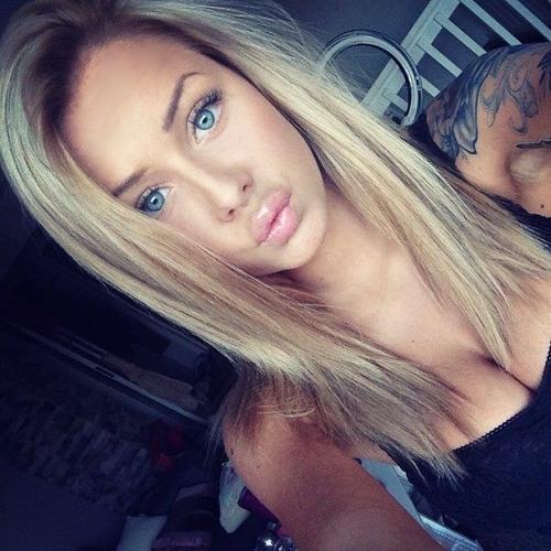 Lana  Steperz's avatar