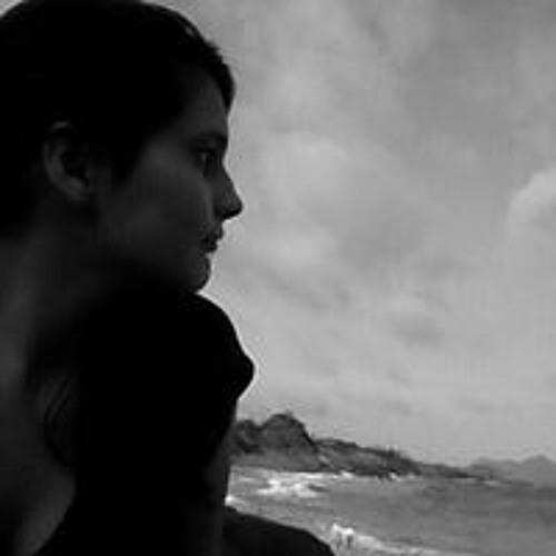 Marina Rodrigues's avatar