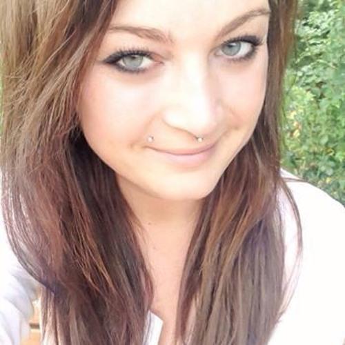 Marie Nandow's avatar
