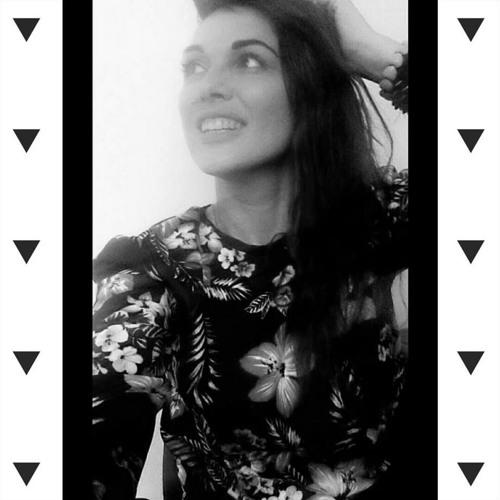 Auretta Bloom's avatar