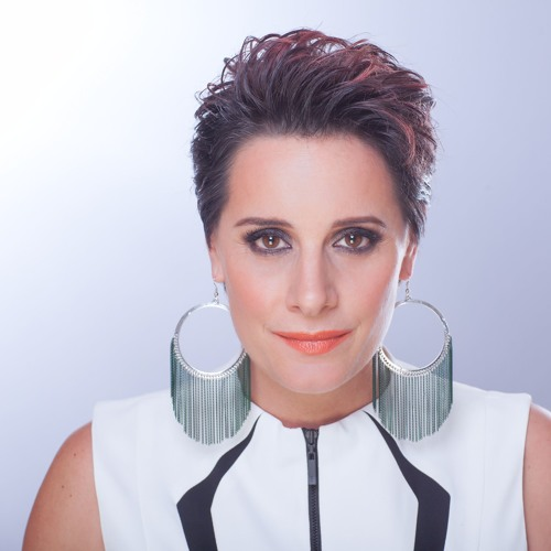 Nina Ferro's avatar