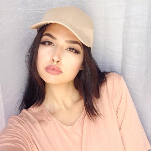 rebecca r halliday's avatar