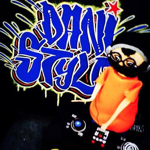 Dani Stylo's avatar