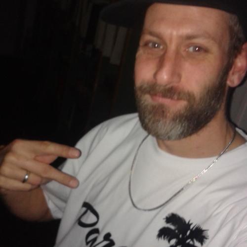 dj EL C's avatar