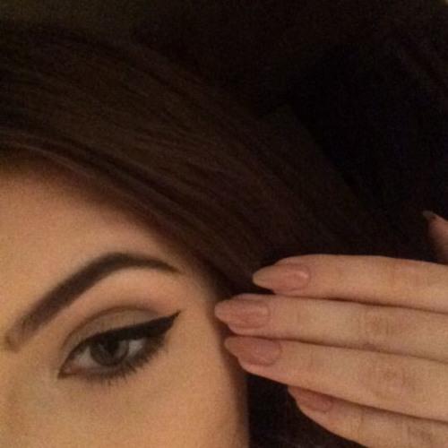 Sara Deuamax's avatar