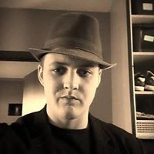 Erik Custers's avatar