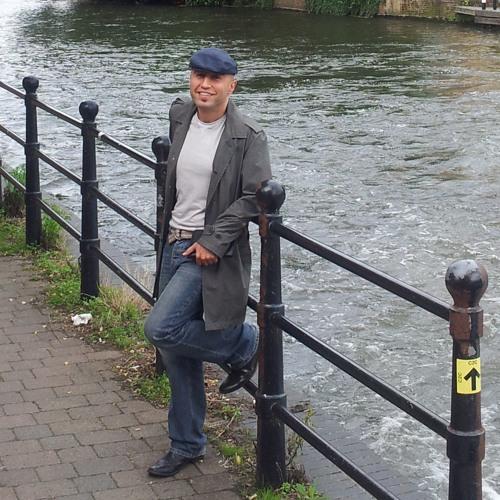 Amir Razavi 3's avatar