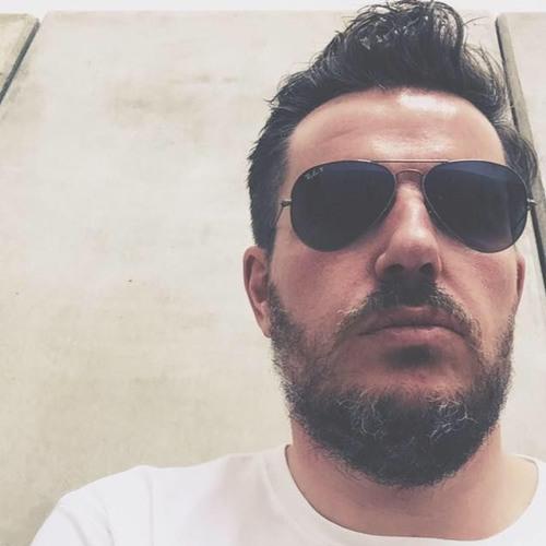 Iain Mac's avatar
