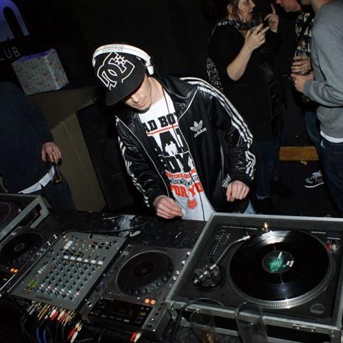 DJ BASSRAPER's avatar