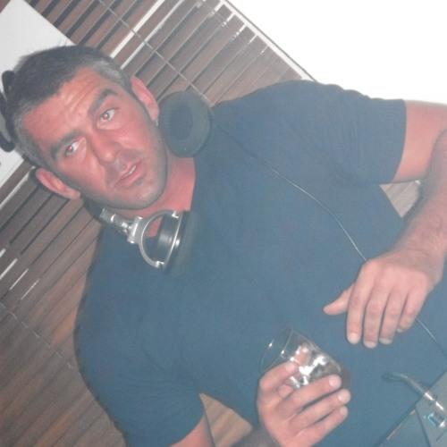 Chris Dutton's avatar