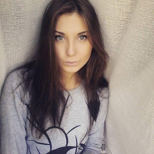 Elia Bloomze's avatar