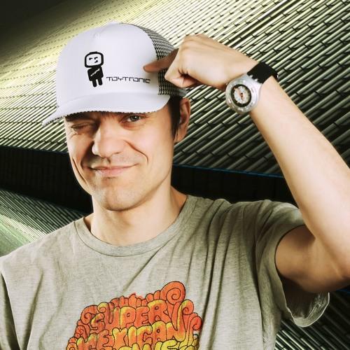 Anton Vlasov's avatar