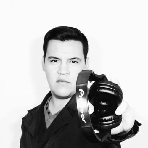 Camilo Lara's avatar