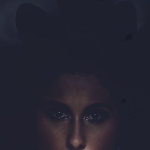 Nathalia Ferro's avatar