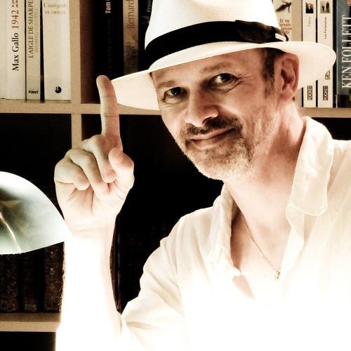 www.auteuretgraphiste.com's avatar