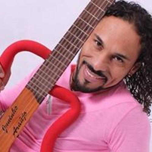 Juninho Araujo's avatar