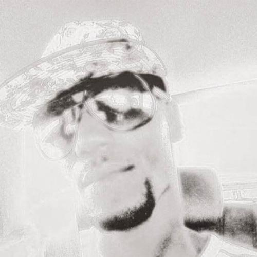 hollywoodllife's avatar