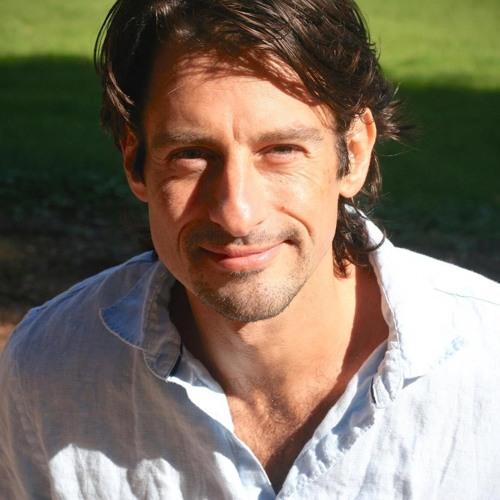 Roger Castillo's avatar