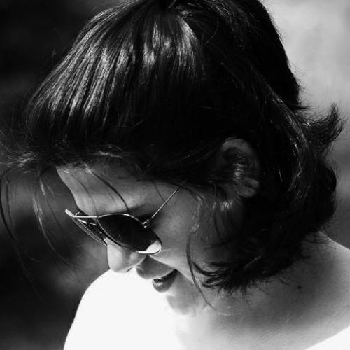 Mari Tama's avatar