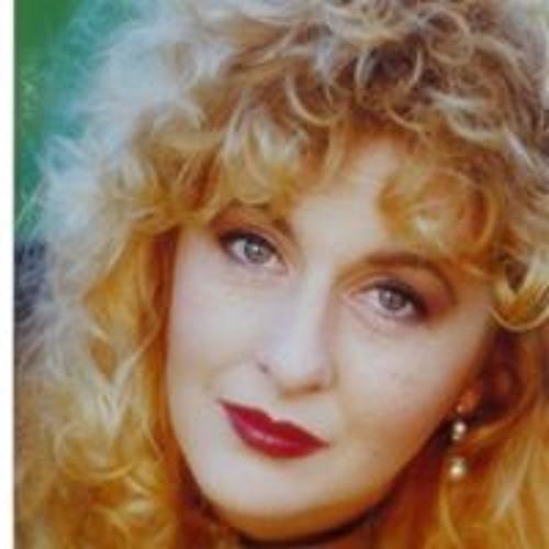 Annie Rossini's avatar