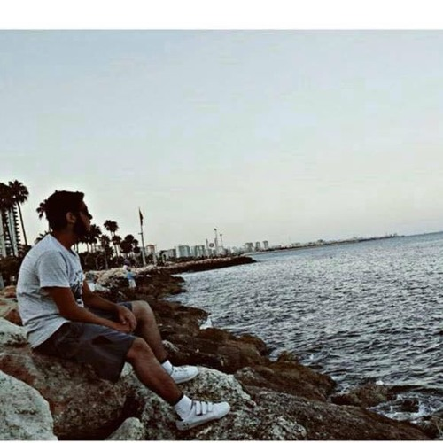 Ahmad Alwaki's avatar