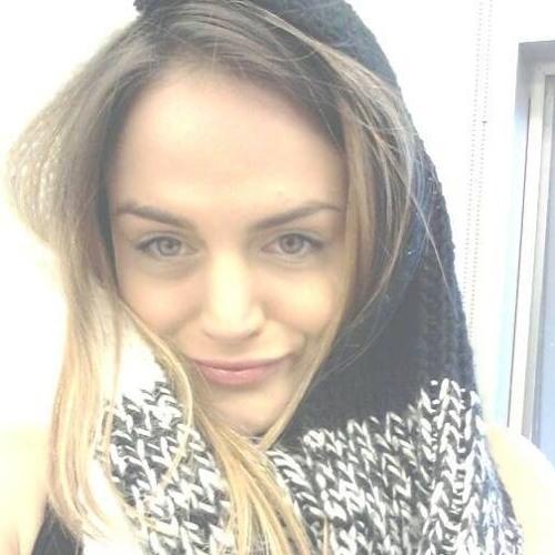 Josie Gloria Lewis's avatar
