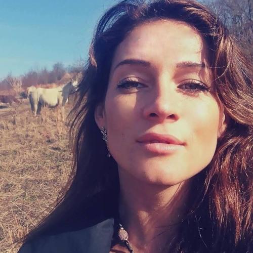 Maria Mirabella 1's avatar