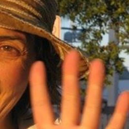 Irene Yukhananov's avatar
