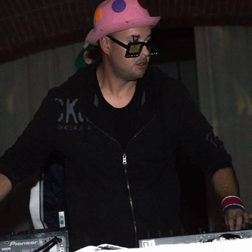 dj makostra's avatar