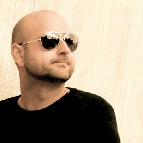 Lasse Larsen's avatar