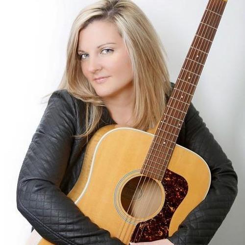 Julia Neville's avatar
