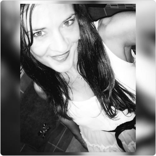 Eva Maria LF's avatar