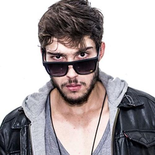 ṜOGUị's avatar